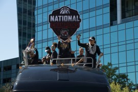 Dawn Staley and the 2017 UofSC WBB team arriving to the Nationals Celebration on their tour bus.